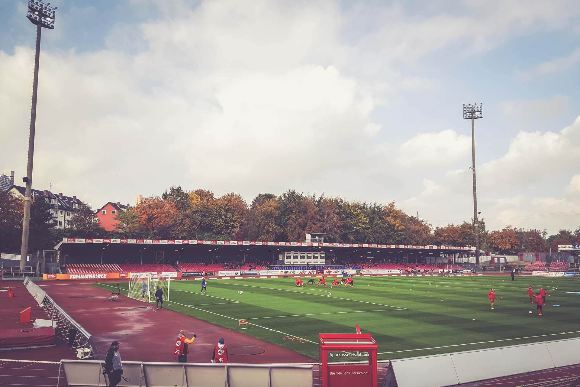 Südstadion, Köln FLUTLICHTFIEBER