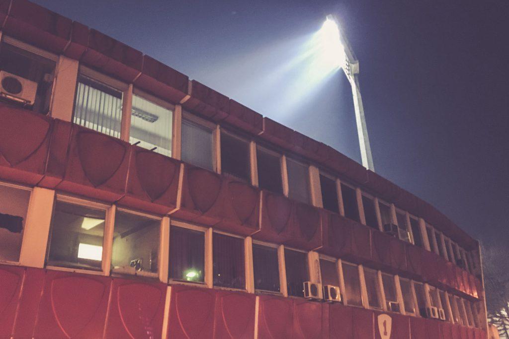 Stadion Rajko Mitic, Flutlicht