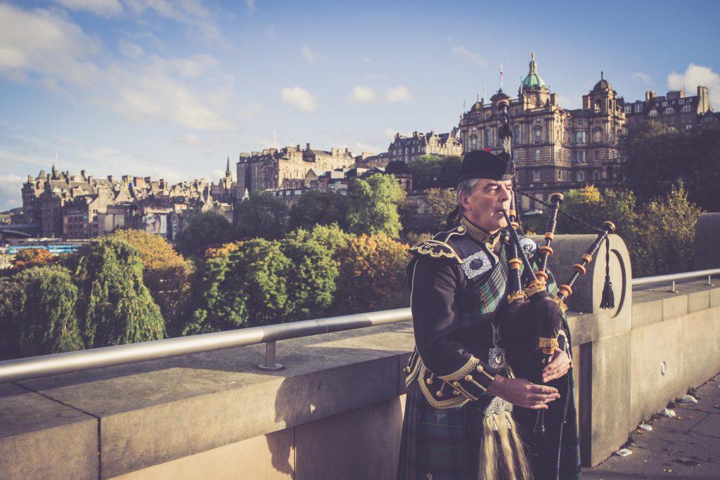 Dudelsackspieler in Edinburgh, Schottland