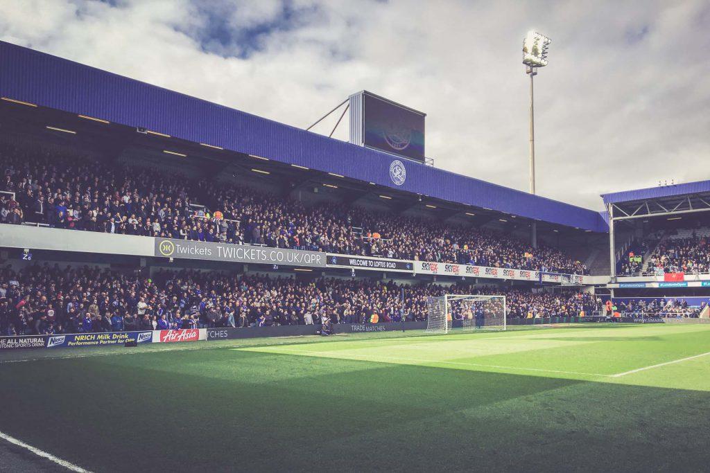 Loftus Road Stadium, QPR - Gästeblock