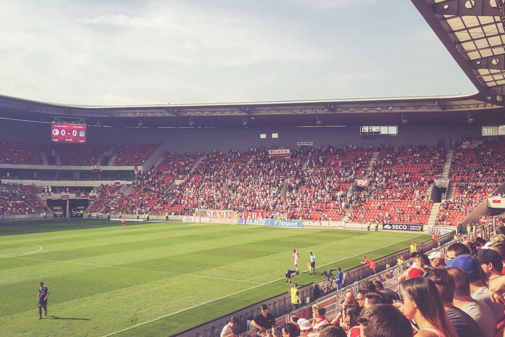 Eden Arena, Prag - Ränge