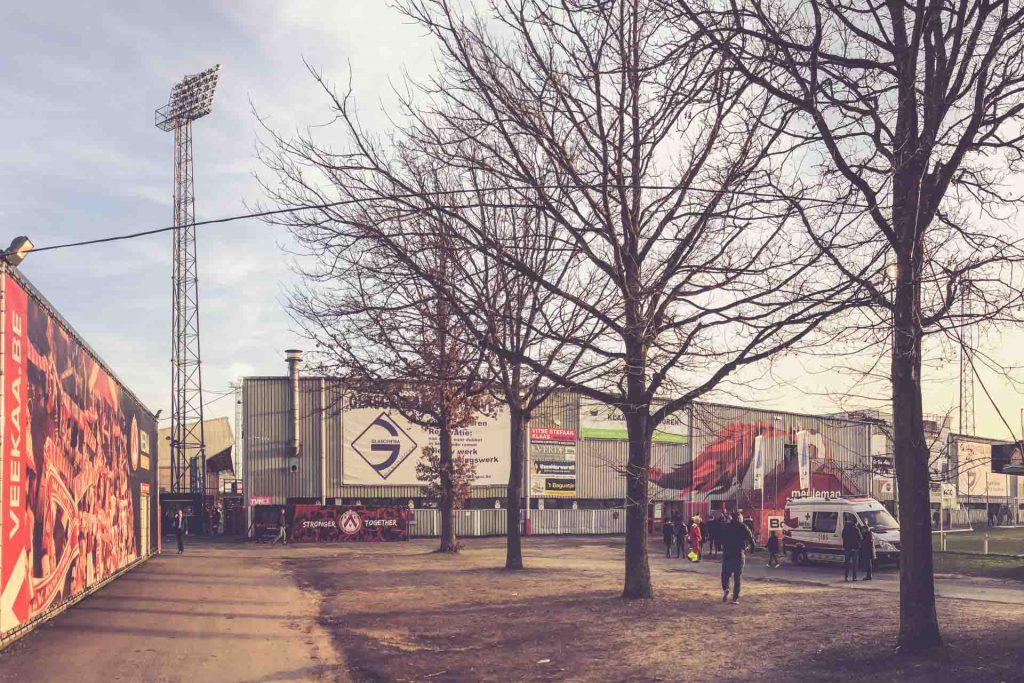 Guldensporenstadion außen - KV Kortrijk, Belgien